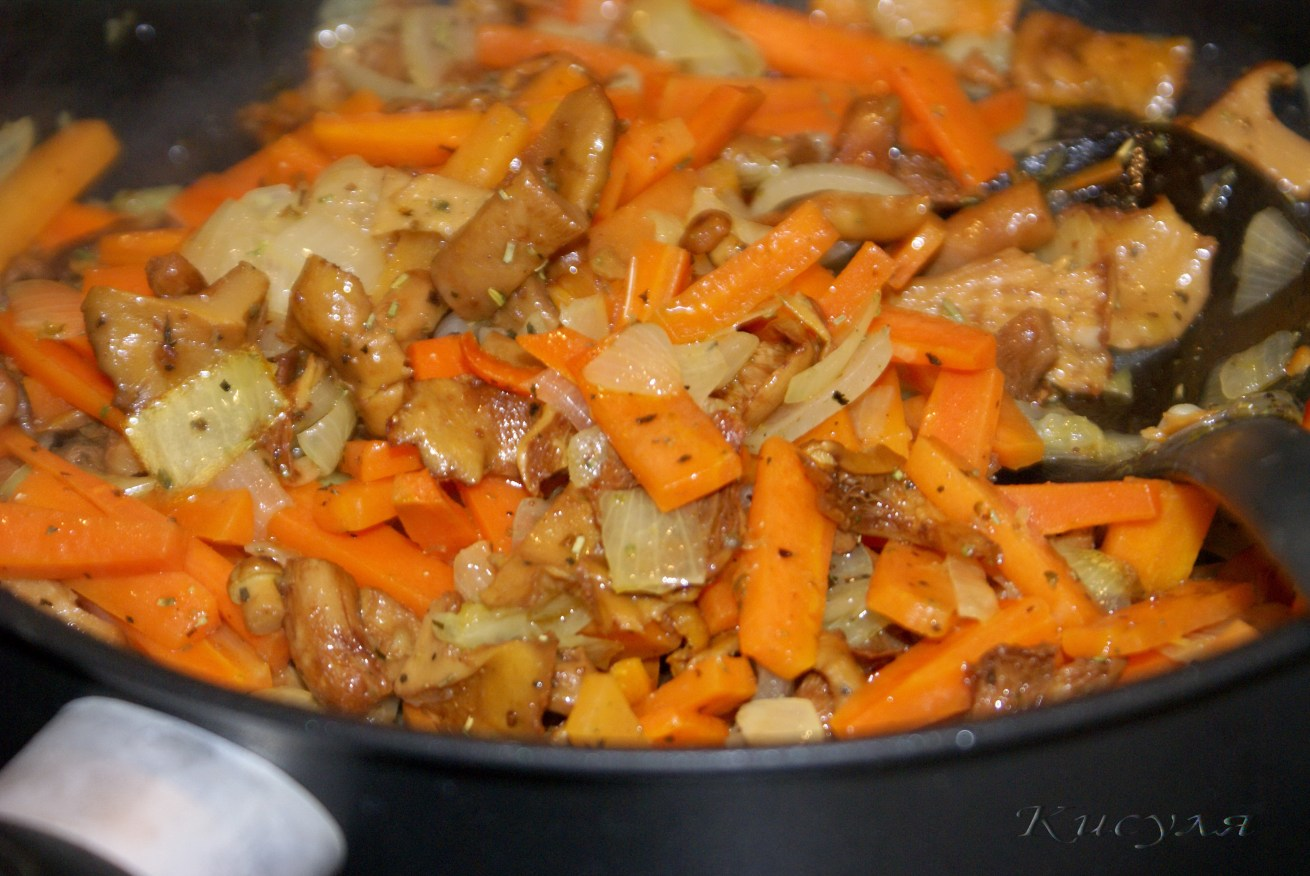 Поджарка из куриного филе с подливкой пошаговый рецепт