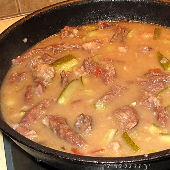 говядина с соленым огурцом рецепт с фото