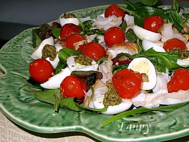 Салат с рыбой горячего копчения и рисом рецепт