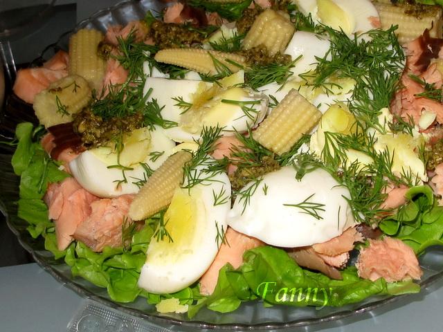 зубатка горячего копчения с салатом